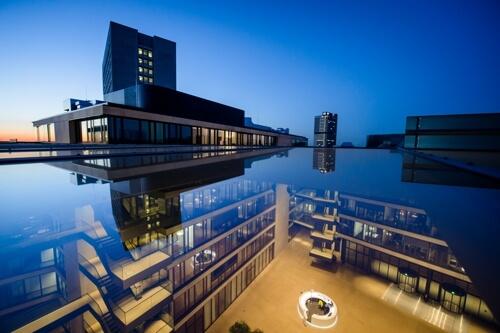 LAMILUX_Glasarchitektur_FGS_Campus_Bonn_2MB.jpg